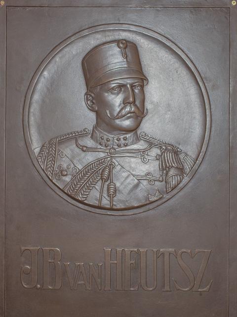 van-Heutsz-03